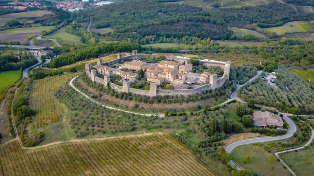 Monteriggioni - 25km - The small hamlet with circular walls